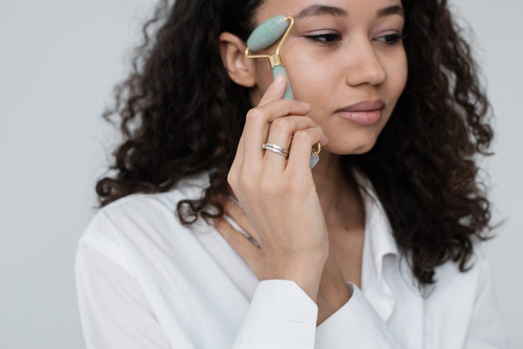 De waarheid over de jade roller trend; werken gezichtrollers echt