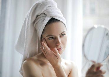 Hoe draag je make-up in de zomer?